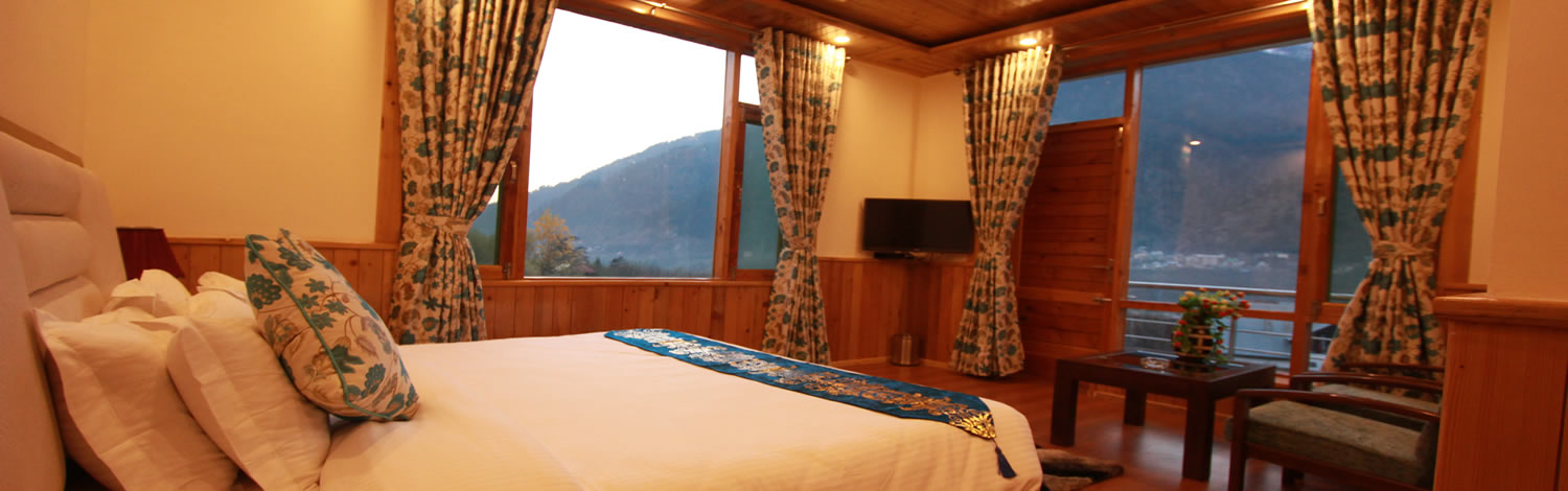our family suite of manali cottage offers luxury and comfort at reasonable price